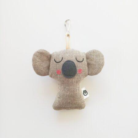 Koala ušitý z režného lnu jako přívěsek na klíče nebo na batoh